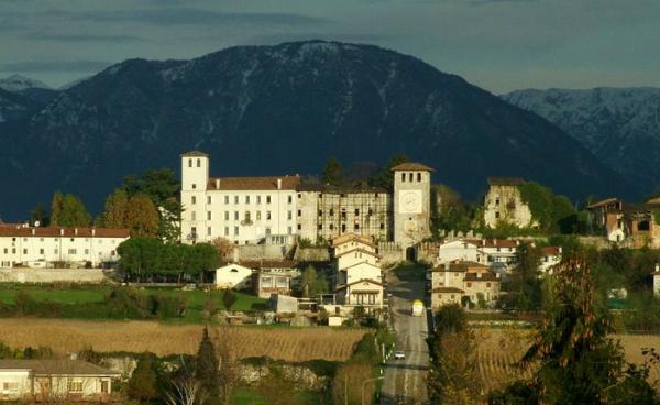 castello-di-colloredo-di-monte-albano
